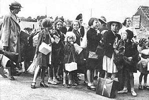 Evacuation during world war two jpg 298x200
