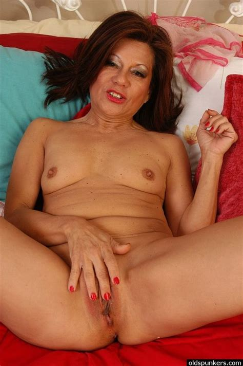 old mature naked latino women jpg 532x800